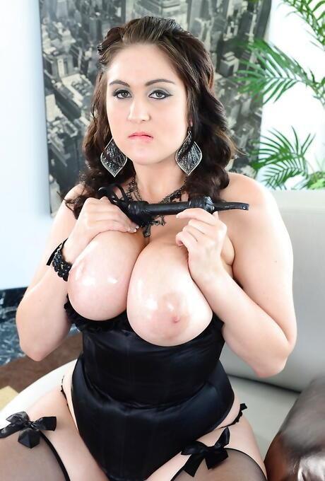 Chubby Pornstars Tits Pics