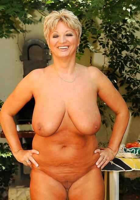 Chubby Mature Tits Pics